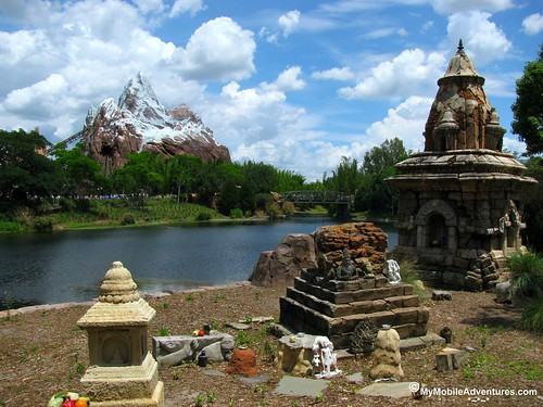 IMG_1505-WDW-DAK-Everest-temple-clouds-water