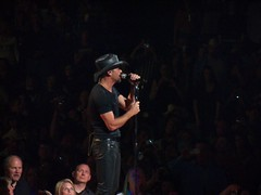 Tim McGraw (lfinan1) Tags: columbus ohio timmcgraw schottensteincenter emotionaltraffictour