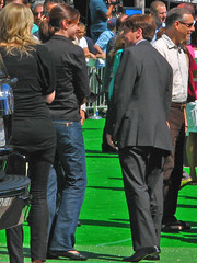 Mike on the Green Carpet (Tom O'Neill) Tags: world red 3 celebrity green mike austin movie carpet shrek dr fat wayne evil hollywood third premiere powers campbell bastard redcarpet austinpowers myers goldmember fatbastard drevil waynesworld mikemyers shrek3 waynecampbell shrekthethird