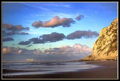 Le Blanc-Nez (JL) Tags: sky mer france clouds soleil nikon d70 coucher wolken ciel nuages soir breathtaking nord coucherdesoleil grisnez escalles