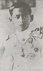 Tue51310-N-KHqQAt8 (apple_photo) Tags: thailand king royal majesty
