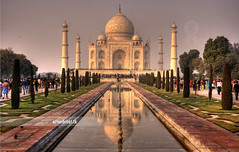 Typical Taj (arturii!) Tags: world voyage trip travel viaje trees people india white reflection tree green monument beauty grave set wonderful wonder landscape mirror amazing nice tour view place awesome great taj mahal tajmahal agra center seven espejo stunning viatge arbre gent blanc tomba artur wonders gettyimages verd marbre reflexe mirall paisatge vegetaci reflexa impresive lloc supershot tipic canoneos400d anawesomeshot impressedbeauty superbmasterpiece diamondclassphotographer arturii maravella perosnes maravelles