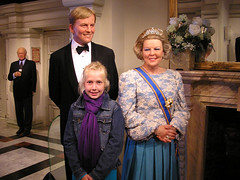 Rixt with our queen and crown prince (Sint Smeding) Tags: amsterdam noordholland madametussauds prinswillemalexander rixt queenbeatrix