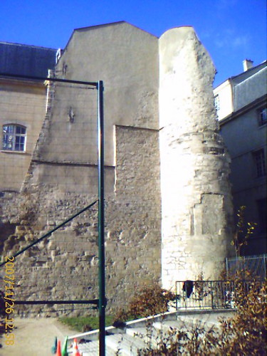 Paris walls