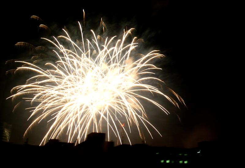 makati fireworks 1