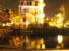 amsterdam at night (dede_rom) Tags: longexposure cold holland water netherlands amsterdam night lights canal weekend elad reflaction ophir adva 1207 dederom
