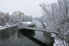 Graz 0101 (Michael Dawes) Tags: weather austria europe snowy country overcast graz towns europetrip dawes blueribbonwinner rivermur fineartphotos mywinners superbmasterpiece michaeldawes theperfectphotographer