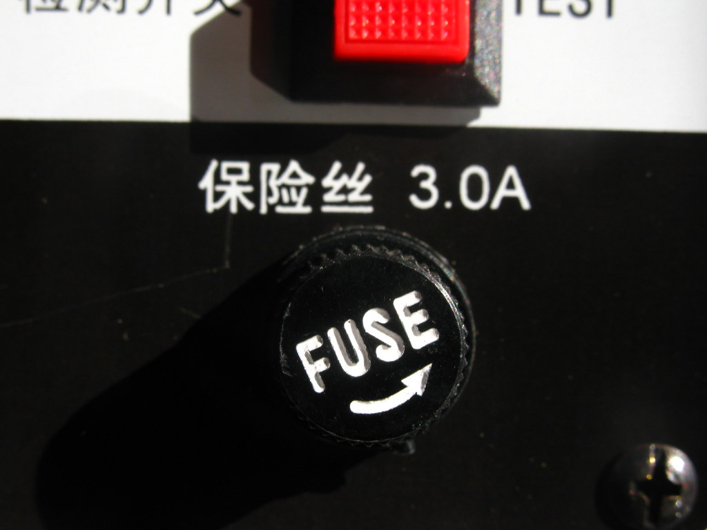 Fantastisch Lautsprecher Drahtverstecke Ideen - Elektrische ...