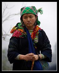 Black Hmong woman in Sa Pa, Vietnam (Jom Manilat) Tags: woman vietnam sapa aficionados blackhmong
