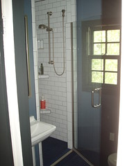 Will's vanity/tub/shower after