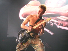 "Eddie Van Halen Shredding His Guitar @ ""E..."