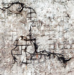 Random patterns on the wall (dedalus11) Tags: white abstract black art industry lines wall germany photography graffiti photo pattern foto fotografie photographer photographie graphic image photos steel patterns wand kunst bricks imagens images wires fotos nrw walls fotografia landschaftspark duisburg industrie ruhrgebiet photoart schwarz crooked imagen mauer abstrakt stahl mauern fotografa abstrait draht stahlwerk drhte fotogrfica weis abstrakte wnde strcutures lapadu photograpyh dedalus11 haphazart haphazartcrookedcurvylines lapaduno haphazartwhite imatgen imatgens gettyimagesgermanyq1