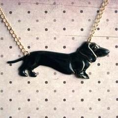 Liquorice Dachshund Necklace (Shara Lambeth) Tags: dog black puppy gold necklace shiny melbourne jewelry felt dachshund jewellery chain gloss doggy etsy liquorice brass dackel goldtone madeit dawanda sharalambethdesigns