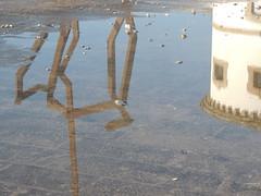 La vie poétique / 287 - Reflets - Sur la jetée - Audierne - Finistère - Bretagne - Hiver 2017 (jeanyvesriou1) Tags: reflets reflections jetée jetty breakwater audierne finistère