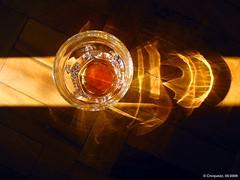 Copo com um Pouco de Coca IMG_5840 (Zrzimo Croquezz) Tags: light distortion glass shadows reflexion