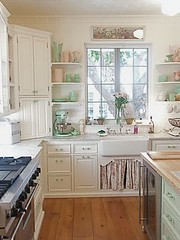 Brooke Giannetti's Kitchen (It's Great To Be Home) Tags: white green kitchen floral vintage feminine cottage shabbychic glassknobs