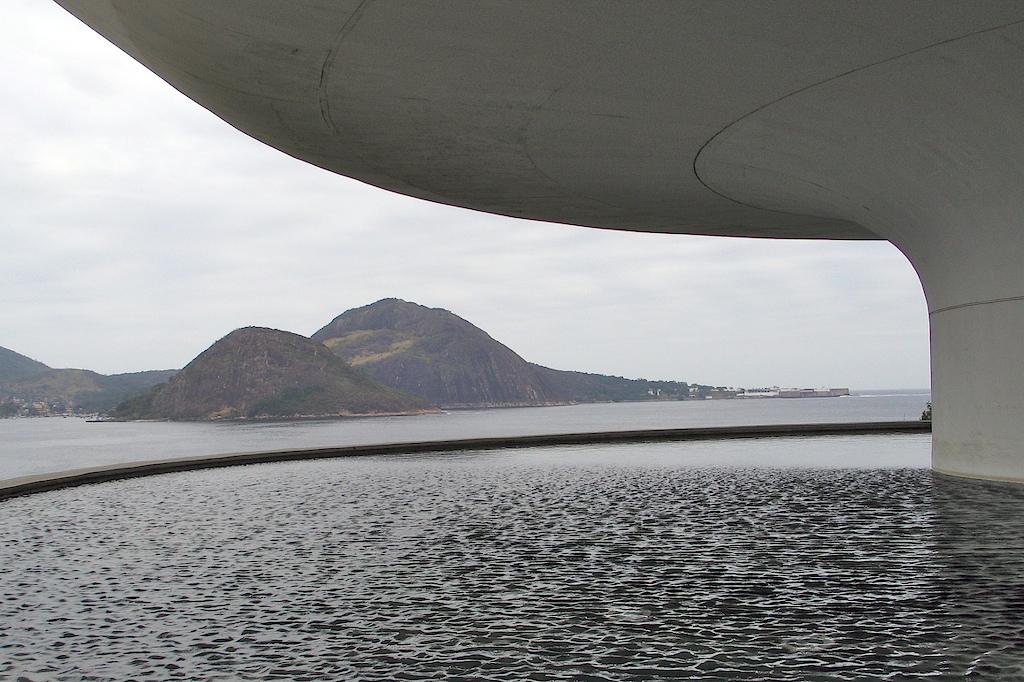 MAC - Niterói - Upper Lake...