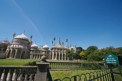 "Royal Pavillon (Brighton).jpg • <a style=""font-size:0.8em;"" href=""http://www.flickr.com/photos/11407991@N07/2120095324/"" target=""_blank"">View on Flickr</a>"