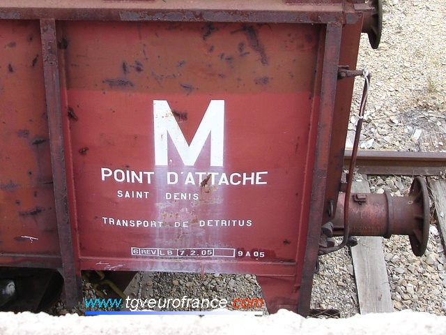 Le point d'attache du tombereau E79 est Saint-Denis. Son utilisation : le transport de déchets.