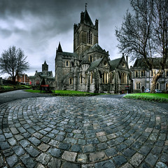 Christ Church Cathedral ([Kantor]) Tags: ireland dublin church canon christ cathedral wideangle cobble cristo cobbles hdr irlanda granangular kantor inglesia adoqun 400d empredado