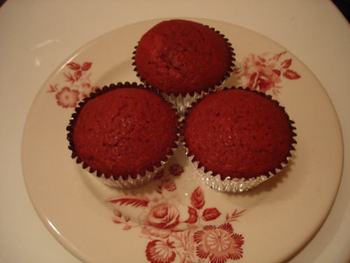 i wanted to make red velvet cupcakes.