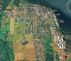 outlined in green, Langley WA's 3rd St cottages, small-town infill (via Google Earth)