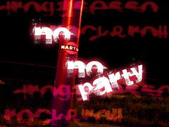 Hey, No Martini no Party! (*Tom [luckytom] ) Tags: red party music rock sex tom george drink no hey martini erba rockmusic roll rosso palo georgeclooney clooney droga ctm sesso favcol drougs drinkresponsibly nomartininoparty luckytom drogasessorockroll