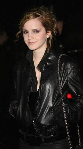 keira knightley chanel. Emma#39;s New Deal with Chanel.