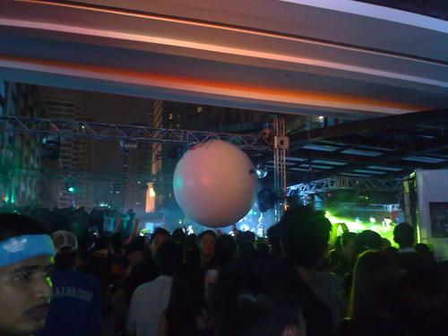 MidZone Countdown 2008 gigantic balls.