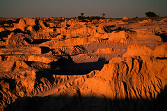 Moonscape (Lil [Kristen Elsby]) Tags: travel sunset shadow summer orange hot texture landscape nationalpark sand ancient dry australia roadtrip sediment clay nsw heat outback remote deserted arid isolated lunette mungo australasia oceania travelphotography outbackaustralia lakemungo mungonationalpark wallsofchina willandralakesworldheritagearea