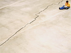 shibboleth (tartalom) Tags: london art tatemodern turbinehall southbank crack shibboleth dorissalcedo tartalom christophersweeney