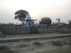 Mandir & Sarovar ~ Hirapur