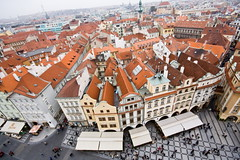 [ red prague ] ([ chang ]) Tags: old roof red skyline town republic torre czech prague tetti praha praga redspace rosso oldtownsquare municipio staromestskenamesti staremesto techos staromestske starmsto staromstsk ve wwwriccardoromanocom