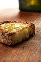 Fettunta (Francesco Bartaloni) Tags: life stilllife food canon still olive oil