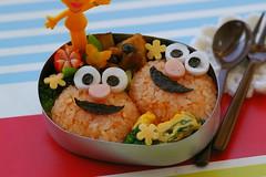 Elmo Bento (luckysundae) Tags: elmo sesamestreet kawaii bento obento japanesestyle kyaraben