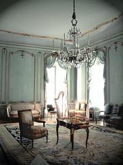 Gracious Living IMG0026 (Lanterna) Tags: vienna carpet austria furniture chandelier palais lanterna meubles metmuseum 18thc periodroom boiserie