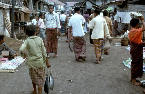 Street scene@ Ende, Flores, Oct 25, 1975
