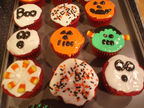 halloween cupcakes from myra russ