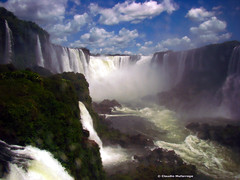Cataratas del Iguaz 012 / Iguassu Falls 012 (Claudio.Ar) Tags: naturaleza nature water argentina beautiful beauty landscape agua rainforest sony selva paisaje 100v10f topf125 soe dsc belleza h9 cubism themoulinrouge iguassufalls naturesfinest cataratasdeliguaz vob ph039 cruzadas supershot amazingshot mywinners abigfave shieldofexcellence platinumphoto anawesomeshot flickrplatinum diamondclassphotographer flickrdiamond flickrelite 200850plusfaves 75faves naturewatcher overtheexcellence betterthangood thegardenofzen thegoldendreams worldwidelandscapes world100f damniwishidtakenthat obq claudioar claudiomufarrege phvalue goldenmasterpiece yourwonderland oracosm