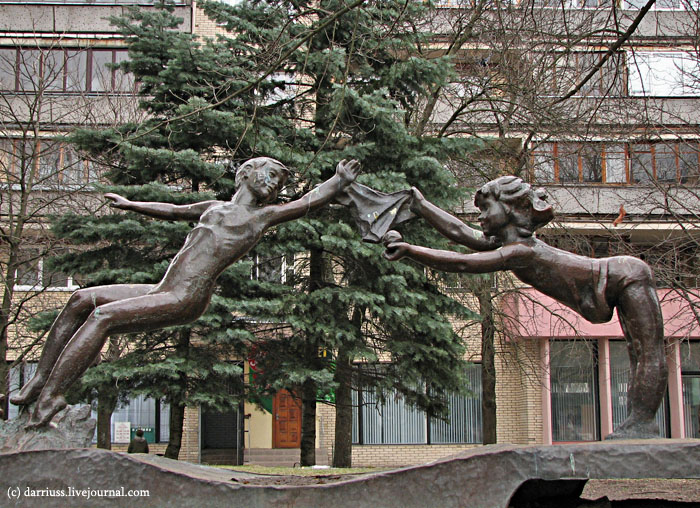 minsk_monument_children_2