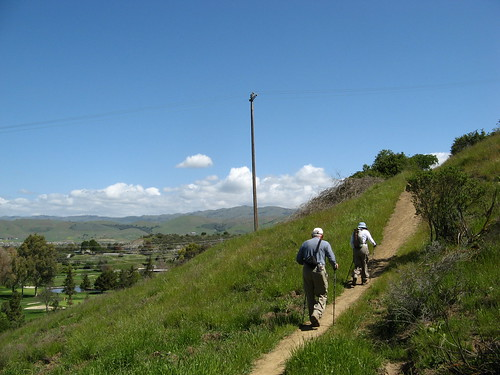 Hikers on Santa Teresa's Ohlone Trail