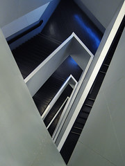 Stair of Wonders (livinginacity) Tags: new city light toronto canada abstract reflection geometric museum wow wonderful design cool superb crystal abstractart awesome prism canadian wicked reflective civic rom luminous  architettura recent royalontariomuseum escaleras joyous ern avantgarde institutional danielliebeskind prismatic crystalline   disorienting contemporaryarchitecture liebeskind     idiosyncratic arkitect  arkitekture  arkitecten a architectureincanada