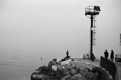 Seaside. (Polvere d'Argento) Tags: kodak tmax 100 bw bn yashica yashicafx3super2000 yashicafx3 carlzeissplanar carlzeiss zeiss expired film rullino scaduto federicobrunetti maredinverno seasideinwinter solitudine loneliness