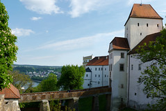 The entry bridge to fortress Oberhaus in Passau (Bn) Tags: bridge museum germany way geotagged bayern bavaria three inn best trail rivers napoleon viewpoint altstadt fortress bishop danube entry duitsland passau donau oberhaus beieren vesteoberhaus ilz lowerbavaria bundesautobahn3 dreiflssestadt romancolony cityofthreerivers towerofthevesteoberhaus geo:lon=13470382 geo:lat=48578358 anno1219
