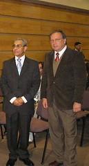 Con el Señor Rector de la Universidad de Valparaíso, Don Juan Riquelme Zucchet, que honró con su presencia el acto de otorgamiento de la calidad de Ciudadano Ilustre de Valparaíso.Martes 18 de abril de 2006.