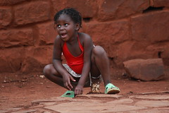 Wait!, Child, Namaacha, Mozambique, Africa (E. B. Sylvester) Tags: africa street portrait girl child candid mozambique afrique namaacha ebsylvester