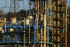 IMG_7793 (lepista) Tags: city morning mist sunrise industrial pipes pylon complex runcorn pipelines 20071020