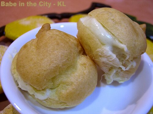 Happy - durian cream puffs