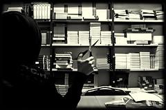 allucinazioni (amemainda) Tags: io libri killer ufficio fuga forbici alienazione sfidephotoamatori sfidephotoamatoriwinner kubrikslook bndelirio bnfotodelmesedelirio