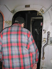 Ed steps in the airlock (stepol) Tags: jan norfolk navy destroyer va scouts campout 2008 cps edm airlock arleighburke navalbase ussmcfaul ddg74 troop737 collectiveprotectionsystem missiledestroyer